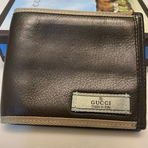 Men's Authentic Gucci wallet
